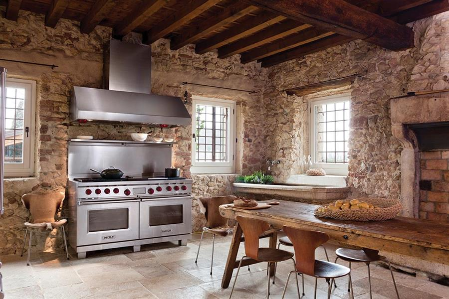 Among The Wolfu0027s Proposals, There Are Instead The Dual Fuel Professional  Kitchens, Characterized By Powerful Gas Hobs With Precise Control, Double  Crown ...