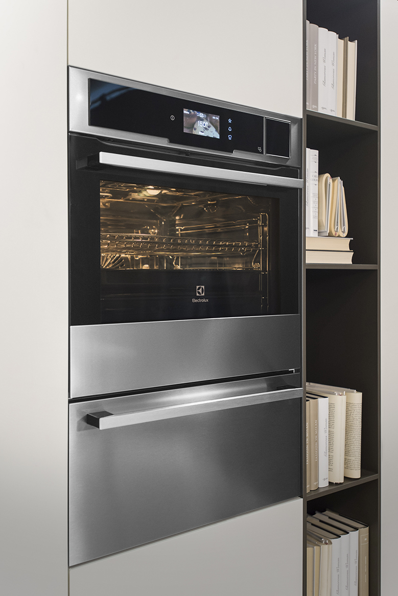 Responding To The Modern Needs Of Consumers, Electrolux Proposes A New Full  Range Of CombiSteam Combined Ovens To Offer People Professional Cooking  Technics ...