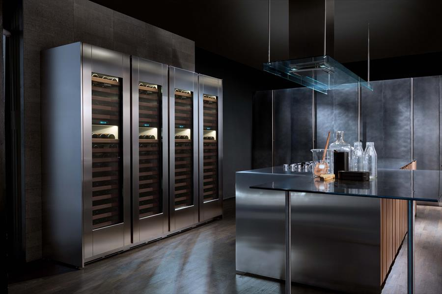 Sub Zero Cooling Brand Distributed In Italy By Frigo 2000 Presents Its Wine Cellars Range These Liances Maintain The Ideal Temperature And Preserve